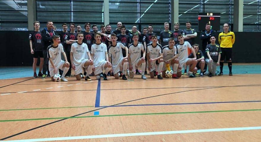 Die B-Junioren und Landesmeister des JFC Gera, und die Player des 07 Gera eSport Vereins